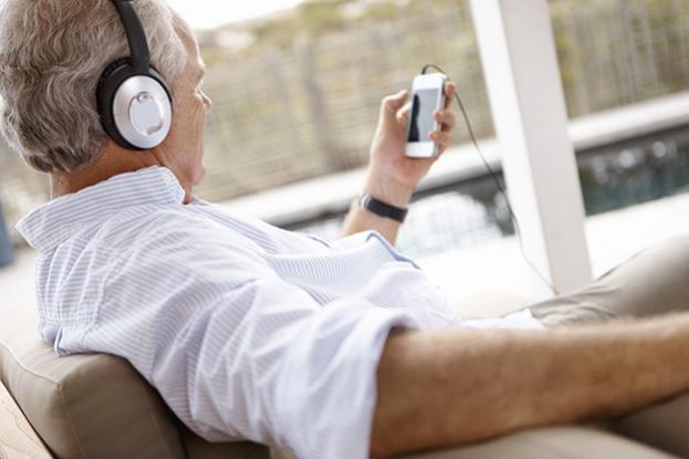 escuchar_musica_mayor
